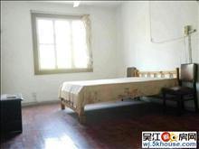 鲈乡三村2室1厅1卫房间空间大 厨房简单装修阳台通两个卧室
