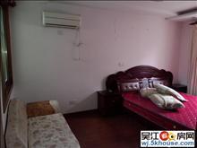 鲈乡四区 72平 三室一厅一卫 仅租1600元 繁华地段。