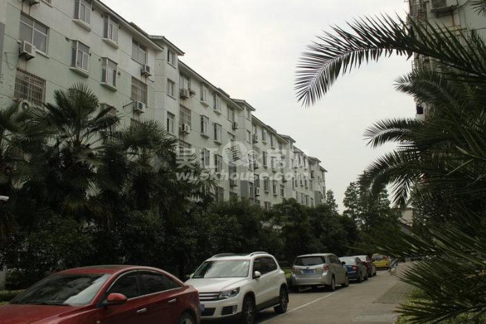 市中心步行街附近正大家园环境好黄金楼层 2室2卫学区房实拍